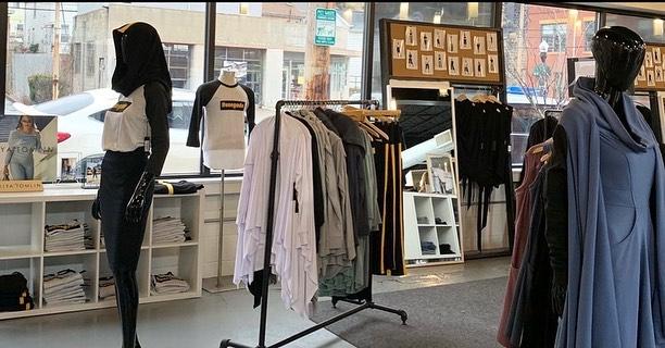 Kiya Tomlin – Feel Glamorous, Feel Comfortable Fashion Brand